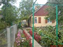 Бердянск, дом в черте города.  фото