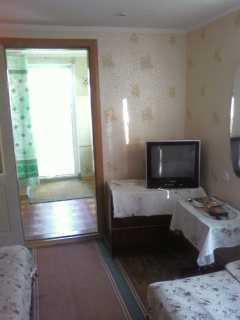 Сдам  отдельный  домик  в  центре  Бердянска фото